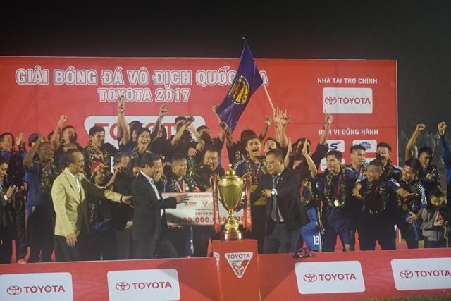 Quảng Nam vô địch V-League 2017: Từ 'khá bất ngờ' cho đến 'đã dự đoán từ trước' - ảnh 1