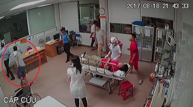 Vụ nữ bác sỹ bị hành hung: Lập đoàn kiểm tra làm rõ hành vi của Chủ tịch phường - ảnh 1