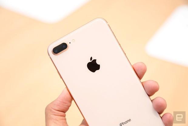 So găng iPhone 8 Plus và Samsung Galaxy Note8: Cuộc chiến hấp dẫn của hai smartphone màn hình lớn đáng mua nhất hiện nay - ảnh 1