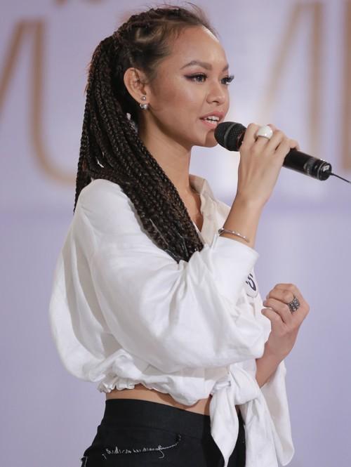 Mai Ngô 'chơi ngông' tại Hoa hậu Hoàn Vũ - ảnh 1