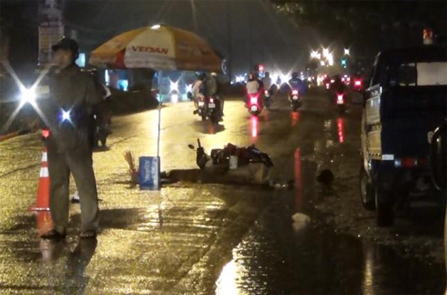 Bình Dương: Hai vụ tai nạn chết người liên tiếp xảy ra trong đêm mưa - ảnh 2