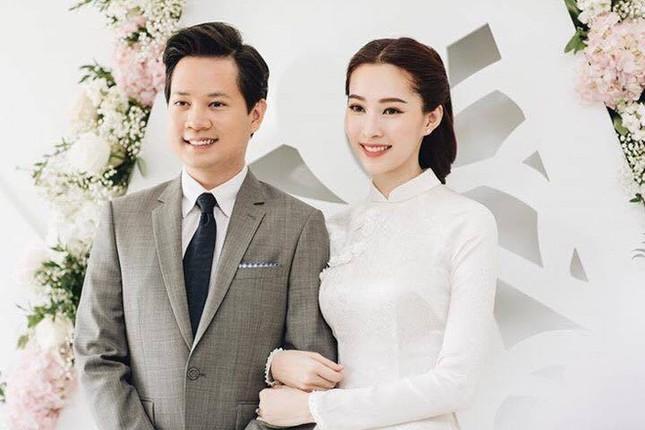 Loạt ảnh Hoa hậu Thu Thảo rạng rỡ bên ông xã Trung Tín trong ngày ăn hỏi - ảnh 1