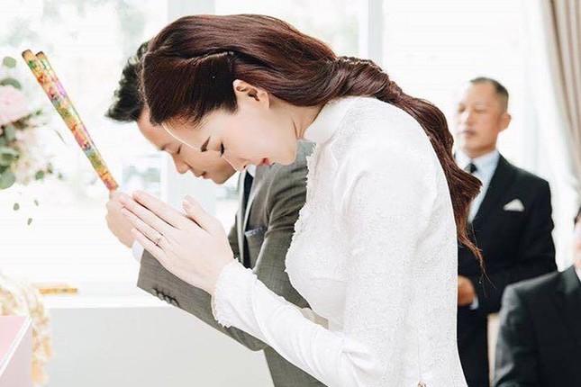 Loạt ảnh Hoa hậu Thu Thảo rạng rỡ bên ông xã Trung Tín trong ngày ăn hỏi - ảnh 3