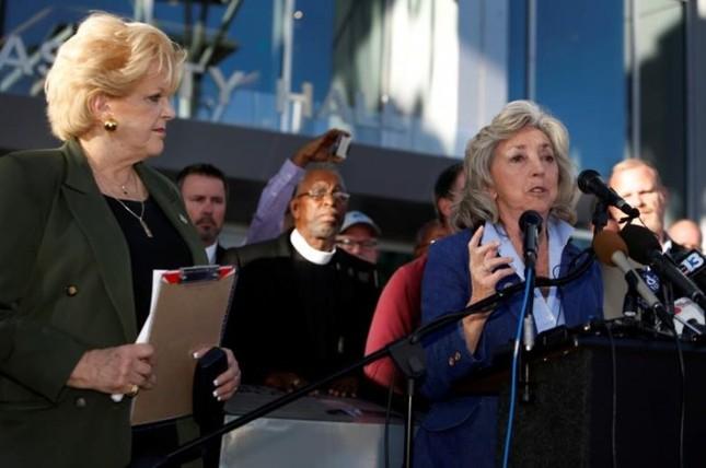 Cả nước Mỹ tưởng niệm các nạn nhân vụ xả súng ở Las Vegas - ảnh 8
