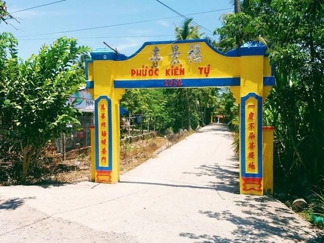 Chùa Lá Sen - điểm đến hot nhất miền Tây mùa nước nổi  - ảnh 2