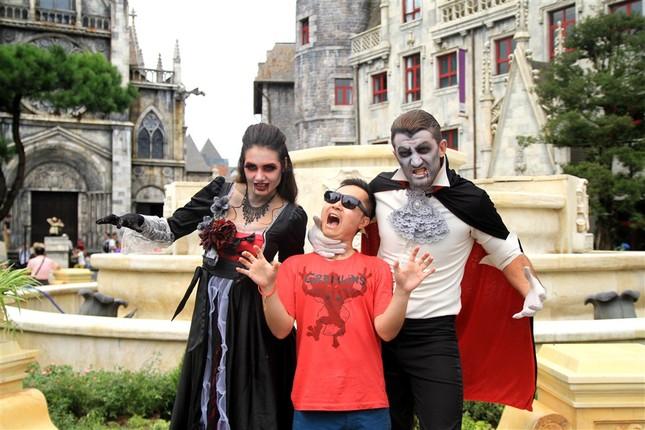 """Halloween """"chất hơn nước cất"""" tại Sun World Ba Na Hills - ảnh 18"""