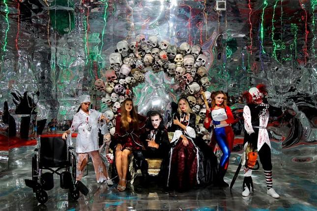"""Halloween """"chất hơn nước cất"""" tại Sun World Ba Na Hills - ảnh 16"""