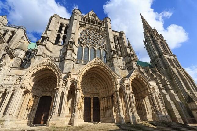 Những kiệt tác kiến trúc cổ xưa nên đến trong đời - ảnh 7