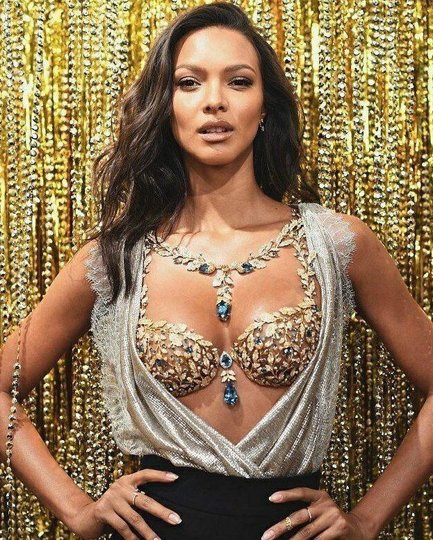 Victoria's Secret ra mắt chiếc áo lót trị giá 45 tỷ VNĐ - ảnh 2