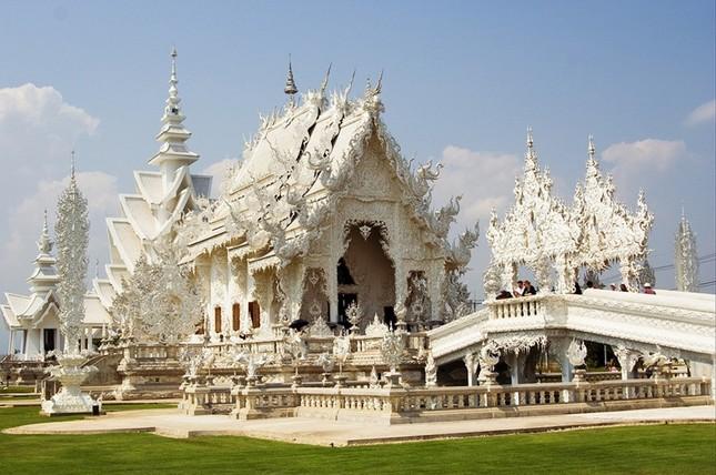 Khám phá ngôi đền trắng kỳ dị ở Thái Lan - ảnh 4