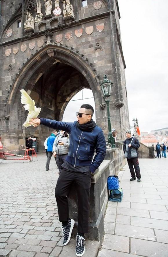 Công tác ở Praha, Vũ Khắc Tiệp bị mất hơn 13 triệu - ảnh 2