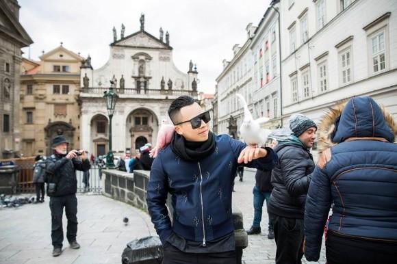 Công tác ở Praha, Vũ Khắc Tiệp bị mất hơn 13 triệu - ảnh 3