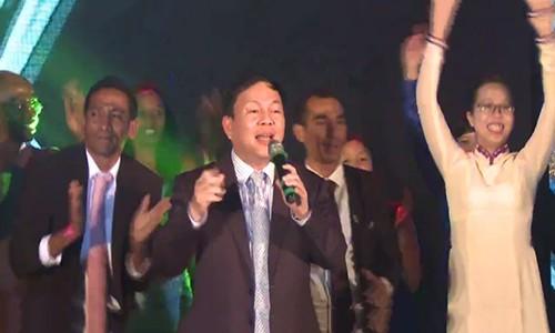 Phó Tổng giám đốc Viettel song ca cùng Sơn Tùng M-TP - ảnh 3