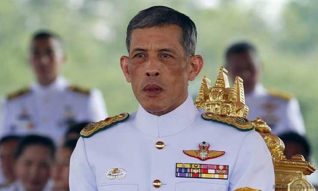 Vua Thái Lan được trao quyền kiểm soát toàn bộ tài sản - ảnh 1