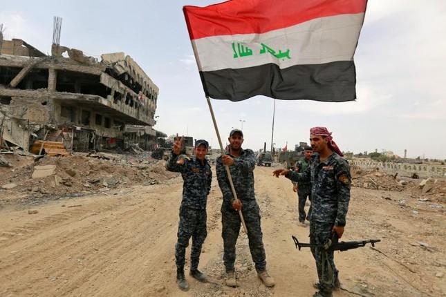 Iraq thu hồi lại lãnh thổ từ tay IS - ảnh 1