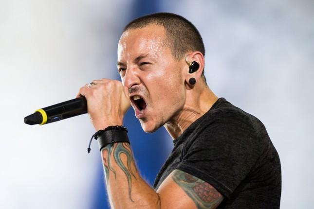 Giọng ca chính của ban nhạc Linkin Park tự tử - ảnh 1