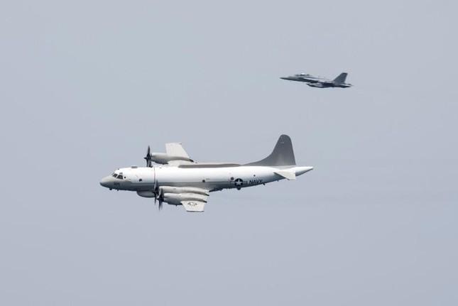 Máy bay phản lực của Trung Quốc đánh chặn máy bay do thám ở Mỹ - ảnh 1