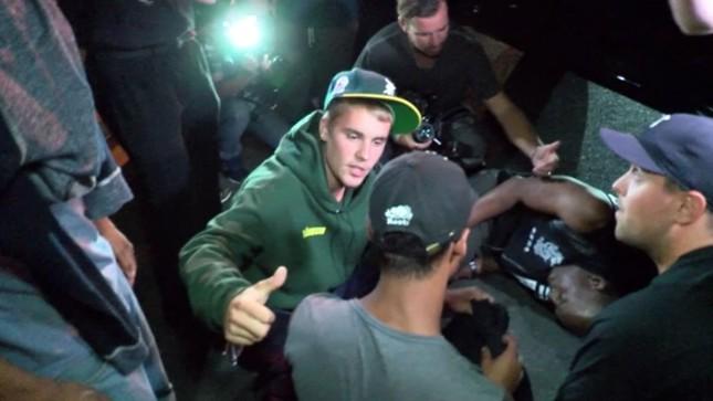 Justin Bieber vô tình tông xe vào nhiếp ảnh gia - ảnh 1