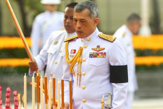 Thái Lan hân hoan mừng sinh nhật Vua Maha Vajiralongkorn - ảnh 2