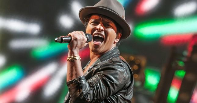 Bruno Mars quyên góp 1 triệu USD cho nạn nhân của cuộc khủng hoảng nước  - ảnh 1