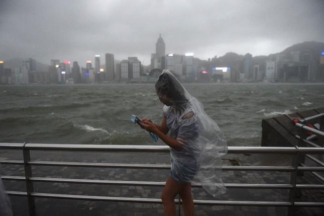 12 người thiệt mạng khi bão Hato đổ bộ vào Macao, Hong Kong - ảnh 1