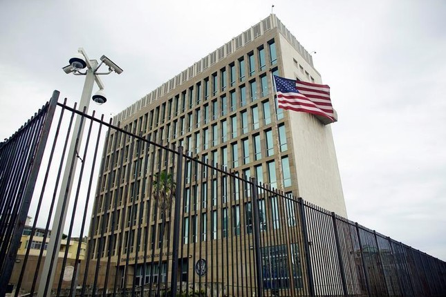 16 nhân viên ngoại giao Mỹ tại Cuba mắc triệu chứng bất thường - ảnh 1