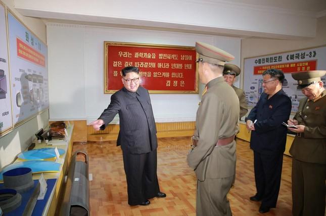 Triều Tiên tiết lộ kế hoạch cho tên lửa mới - ảnh 1