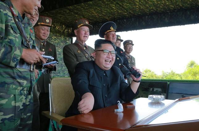 Căng thẳng nóng lên khi Triều Tiên bắn tên lửa về phía Mỹ - Hàn tập trận - ảnh 1