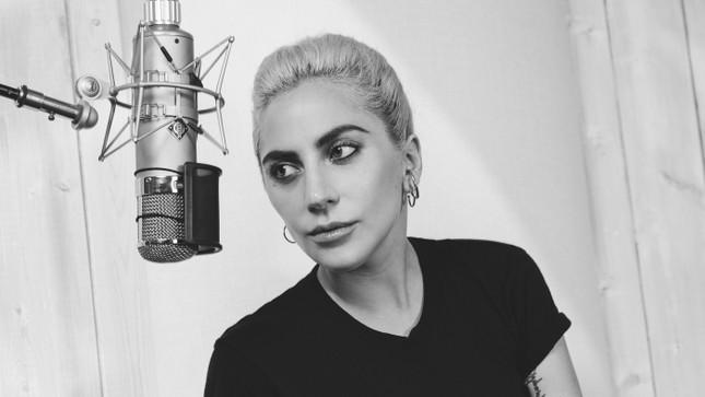 Lady Gaga tiết lộ cuộc chiến chống lại căn bệnh lạ - ảnh 1