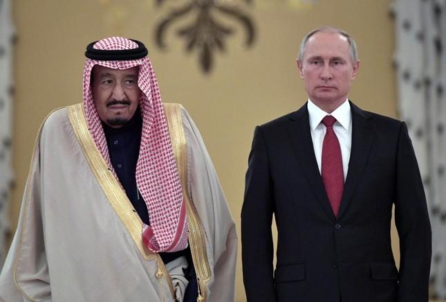 Vị vua Ả Rập đầu tiên viếng thăm Nga thỏa thuận gì? - ảnh 1
