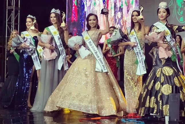 Đại diện Việt Nam đăng quang Nữ hoàng sắc đẹp toàn cầu 2017 - ảnh 1