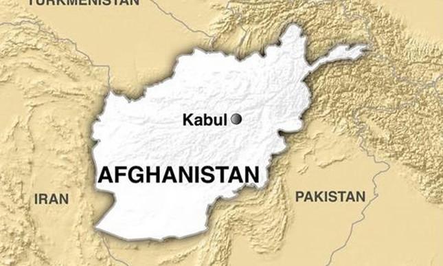 Đánh bom kép ở Afghanistan: Ít nhất 50 người thiệt mạng - ảnh 1