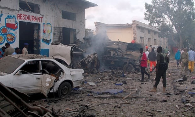 Đánh bom hàng loạt ở Somali, ít nhất 17 người thiệt mạng - ảnh 1