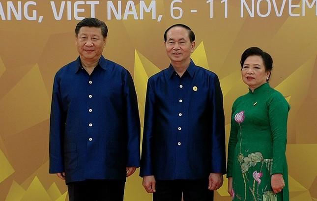 Các nhà lãnh đạo APEC cùng mặc trang phục tơ tằm của Việt Nam - ảnh 6