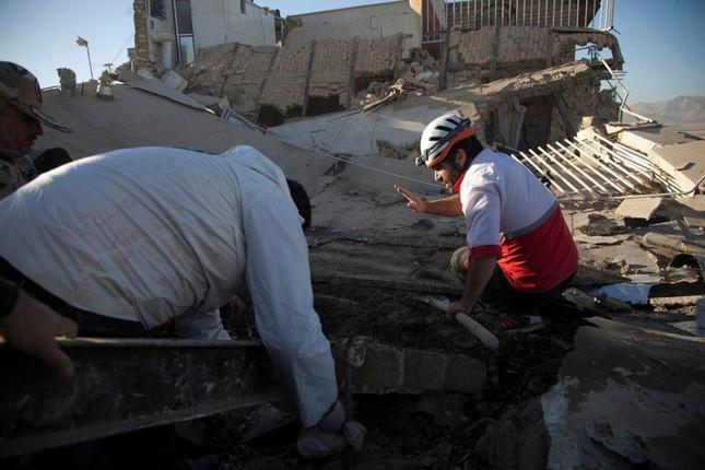 Động đất biên giới Iran-Iraq: Số người thiệt mạng tăng lên 400 - ảnh 1