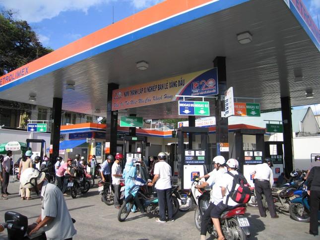 Bộ Công thương: Xăng dầu đồng loạt tăng giá  - ảnh 1