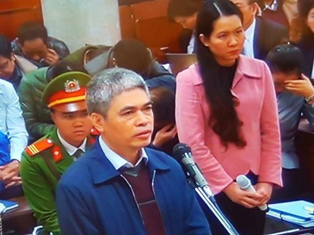 Đại án Oceanbank: Nguyễn Xuân Sơn thay đổi lời khai, Hồng Tứ khóc nức nở - ảnh 1