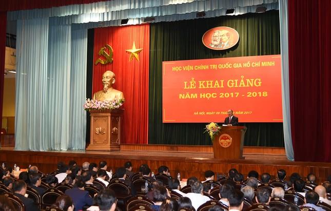 Thủ tướng dự lễ khai giảng năm học mới tại Học viện Hồ Chí Minh  - ảnh 4
