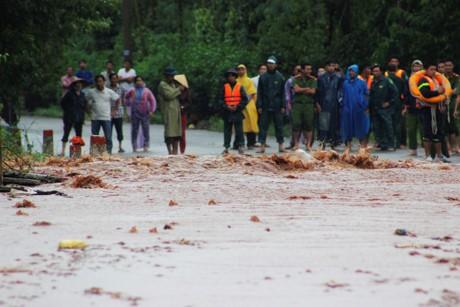 Vỡ đê hồ Gia Hoét 1, nhiều tài sản của người dân bị cuốn trôi - ảnh 1