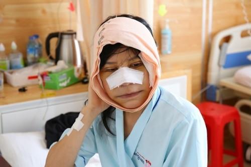 Cô gái tuổi đôi mươi ở Phú Yên hóa bà lão 80 - ảnh 1