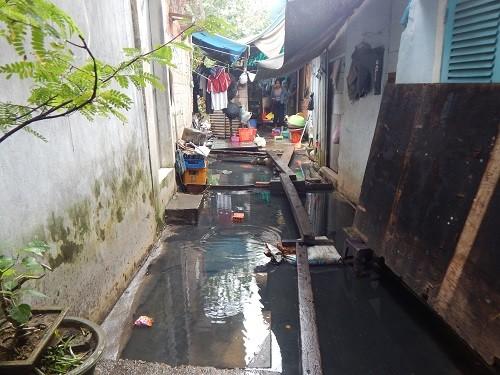 TP.Huế: Nhiều năm chịu đựng ô nhiễm, dân Hộ Thành hào tha thiết sớm di dời - ảnh 1