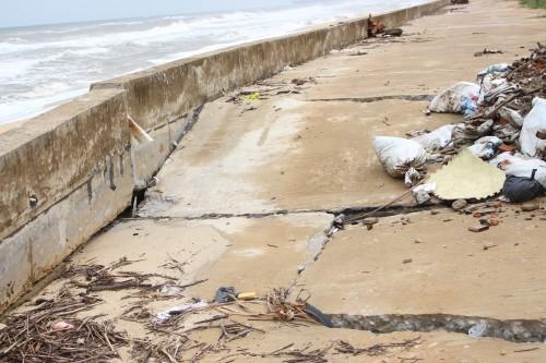 Quảng Bình: Kè đê biển xã Hải Trạch hư hỏng nặng - ảnh 6