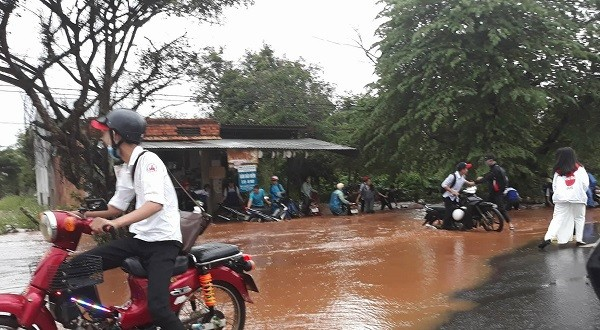 Đắk Lắk thiệt hại do mưa lũ, nhiều tỉnh Tây Nguyên ra công điện khẩn - ảnh 1
