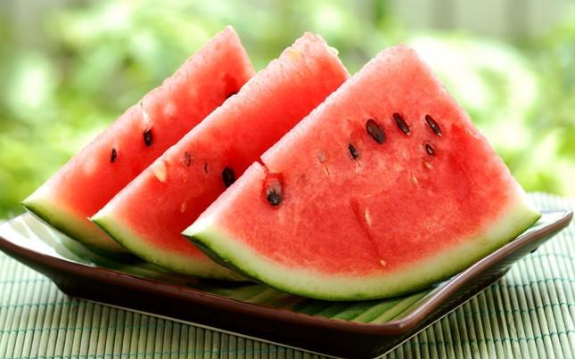 Những cấm kỵ khi ăn dưa hấu ai cũng phải biết - ảnh 1