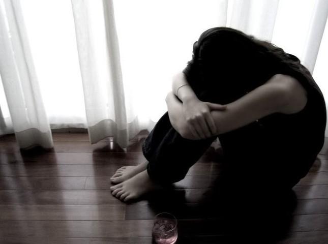 Cô gái bầu 8 tháng đau đớn phát hiện bí mật động trời của bạn trai - ảnh 1