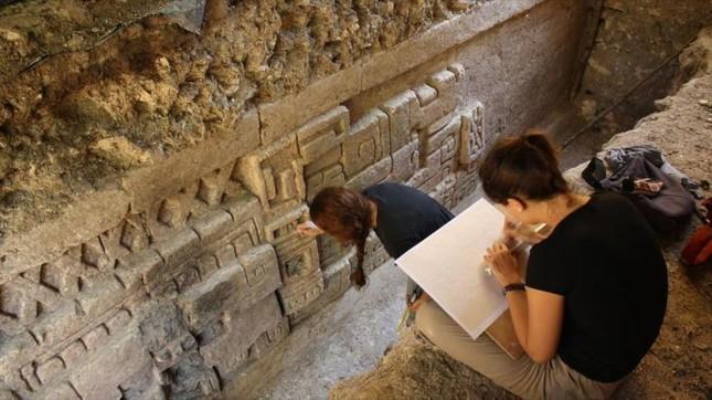 Phát hiện di tích 2700 tuổi hé lộ nhiều bí ẩn về người Maya - ảnh 1