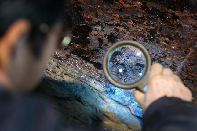 Bên trong ngôi mộ 2.000 năm tuổi chứa đầy vàng ở TQ - ảnh 1