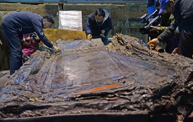 Bên trong ngôi mộ 2.000 năm tuổi chứa đầy vàng ở TQ - ảnh 7