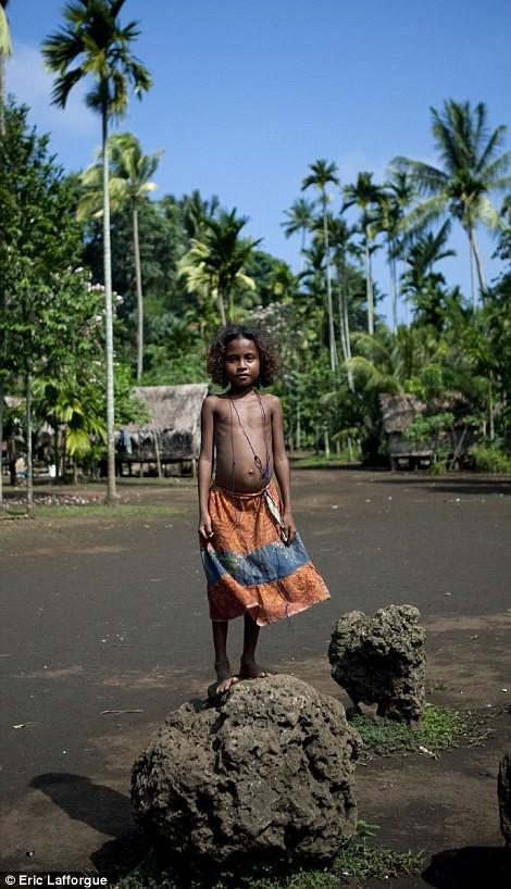 Lạ kỳ tập tục tự do ngoại tình tại đảo Tình yêu - ảnh 5