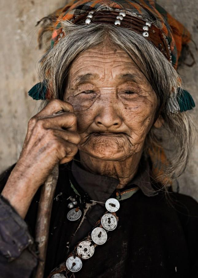"""Nhiếp ảnh gia Pháp 10 năm ghi lại """"cái lạ"""" của các dân tộc VN - ảnh 5"""